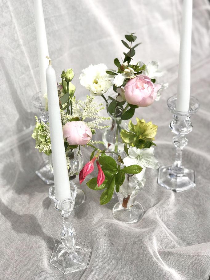 Filligrane Vasen und Leuchter