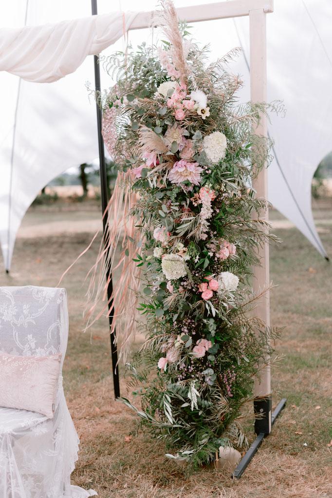 Blumensäule (verfügbar sind 2x groß, 1x klein)