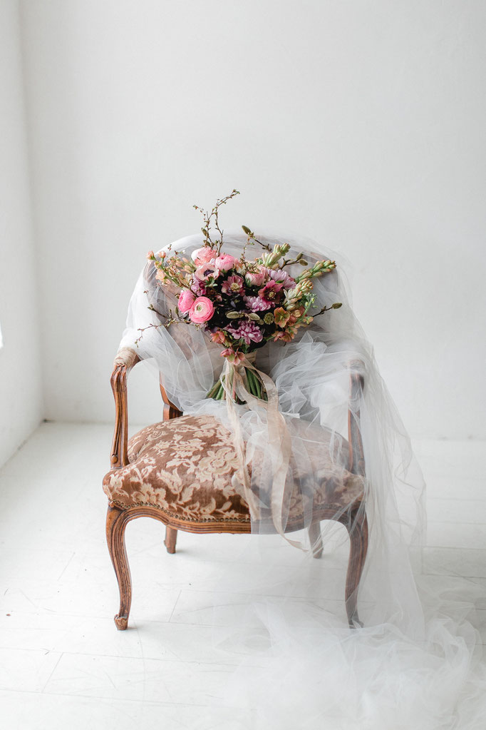 Stuhl / kleiner Damenstuhl