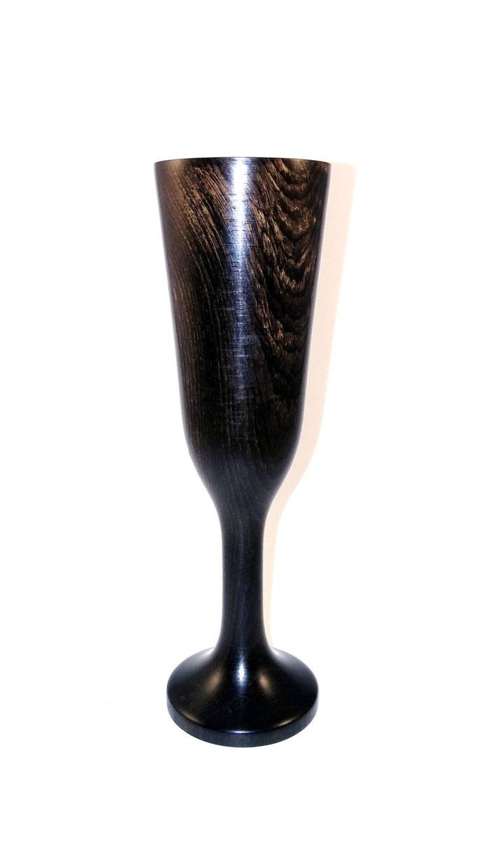 Copa pequeña en Granadillo para licor
