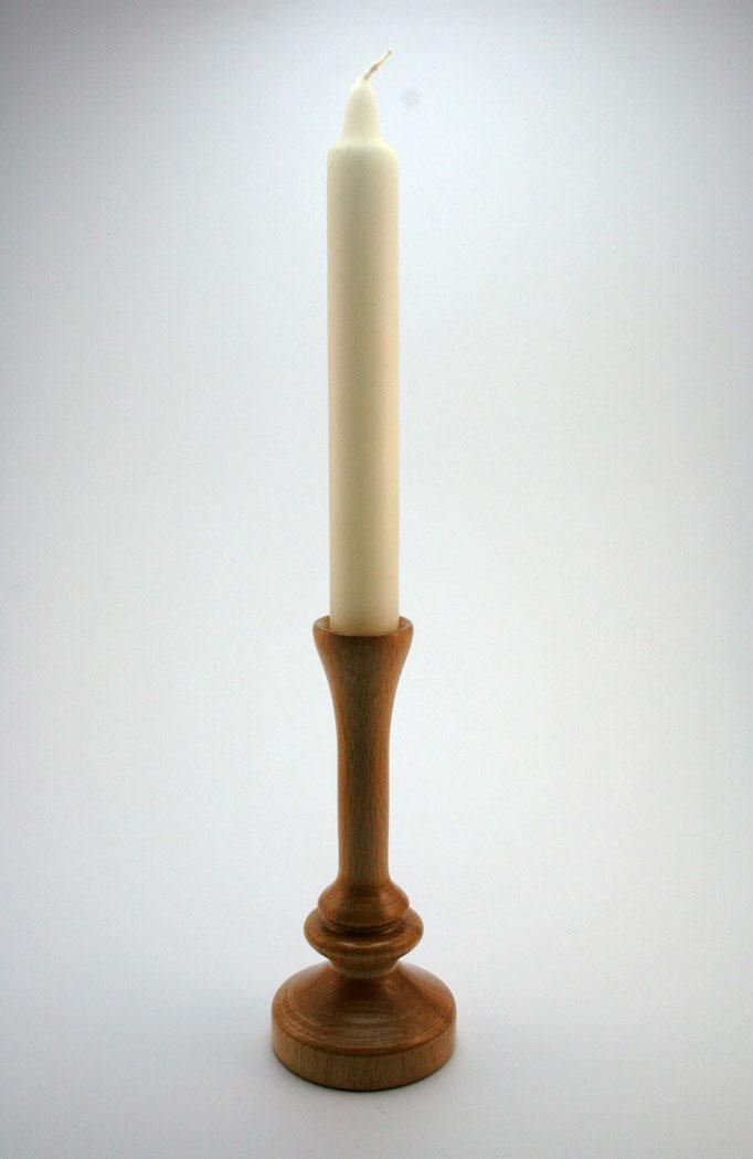 Candelabro en haya para una vela larga
