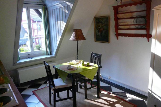 Sonniger Essplatz in der Vintage Küche