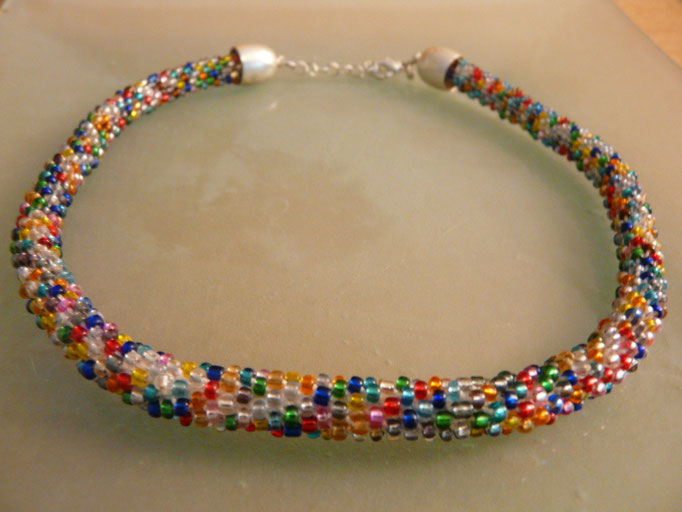 The `THOUSAND BEADS+ONE THREAD(small pearls)´ necklace - 2