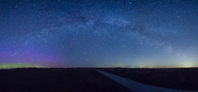 panorama van de Melkweg en de Aurora Borealis, Kwelders Schiermonnikoog