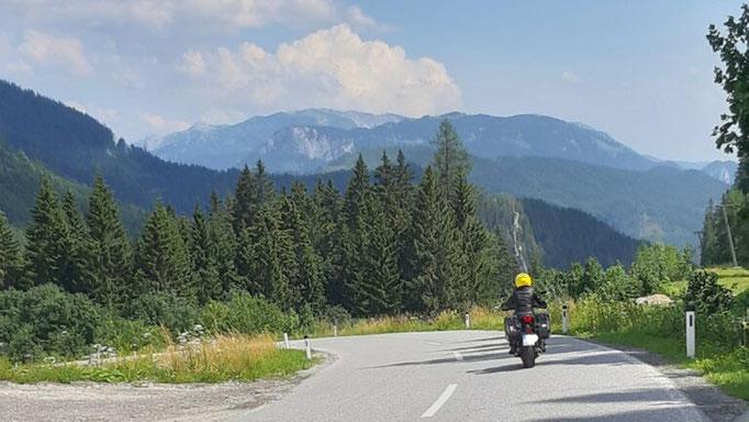 Tour 1  Auf dem Weg in die Alpen l