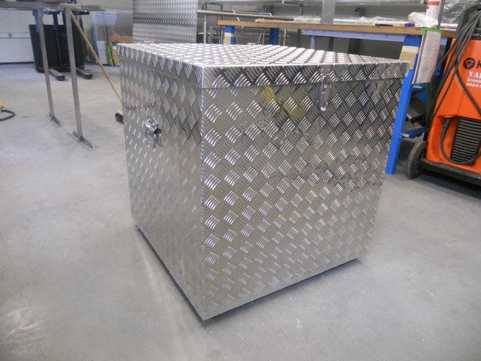 Transportbox von der Edelstahl Schlosserei Eduard Holzbauer