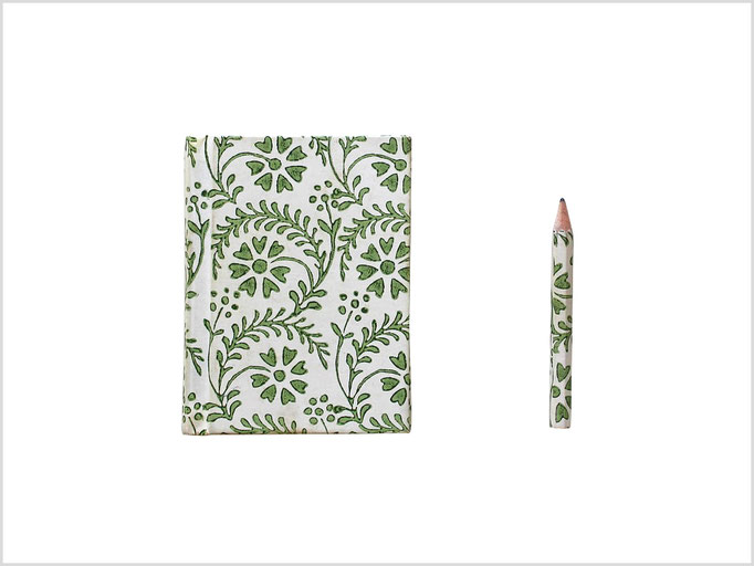 Détourage cahier crayon