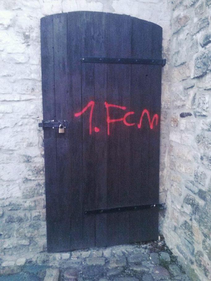 Grafity an einer Tür