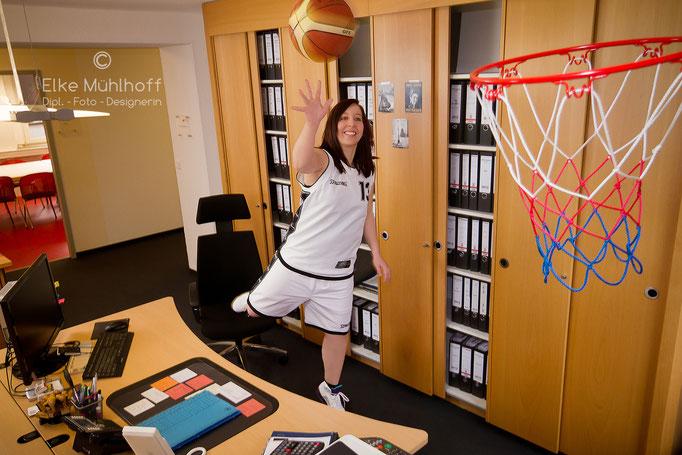 Hobby Mitarbeiter Fotos Image Portrait Basketball