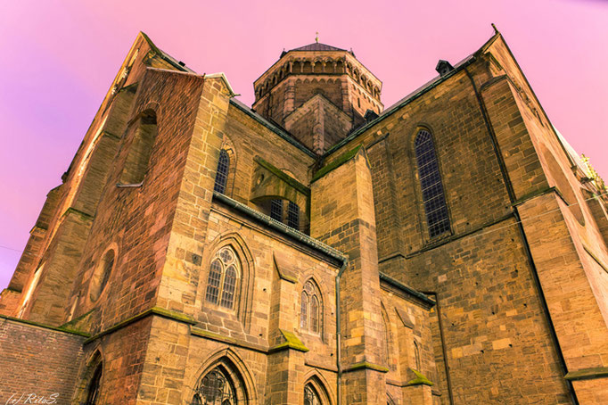Die Süd-Ost-Seite mit Vierungsturm vom Bremer St. Petri Dom
