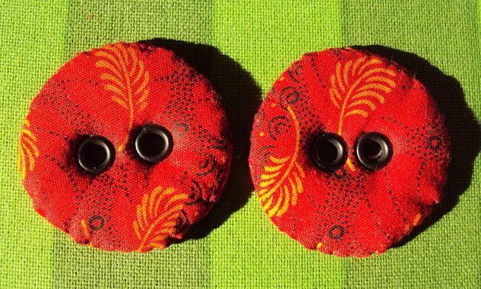 Handgenähte Knöpfe, Durchmesser 4 cm