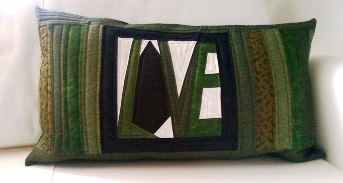 grünes LOVE-Kissen, 40x50