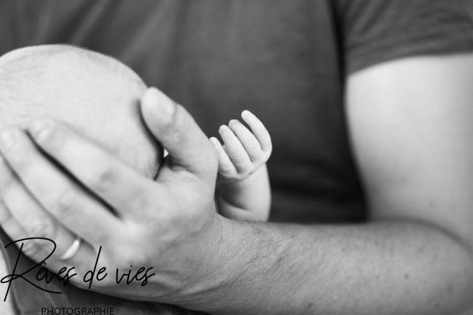 shooting naissance, photographe Sens, Yonne, bébé, photo naissance, regards, détails