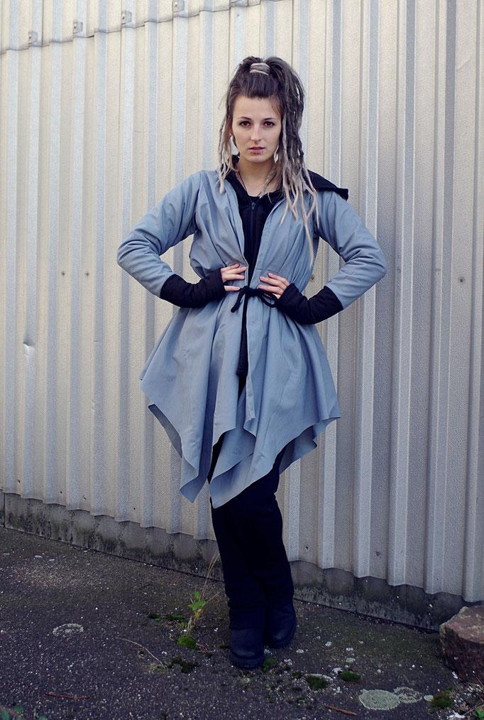 Zipfelmantel blau/grau, Avantgarde Style