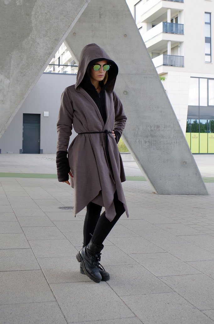 avantgarde Coat, Layered Coat, Zipfelmantel, Futuristic, Cyber