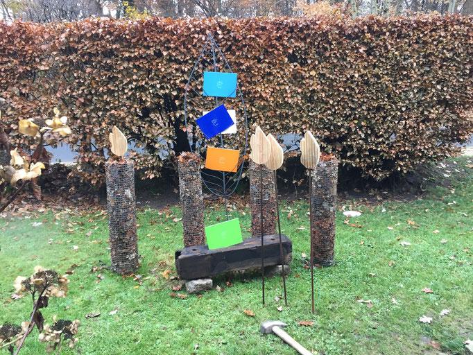 Drei Laubkerzen warten noch auf die Flamme - dann ist Weihnachten!!!