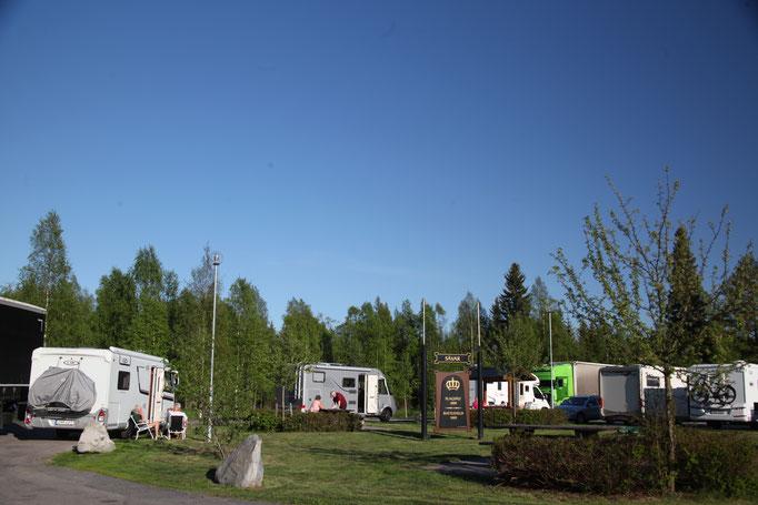 Hir fahren wir duch Schweden da sind wunder schöne Parkplätze