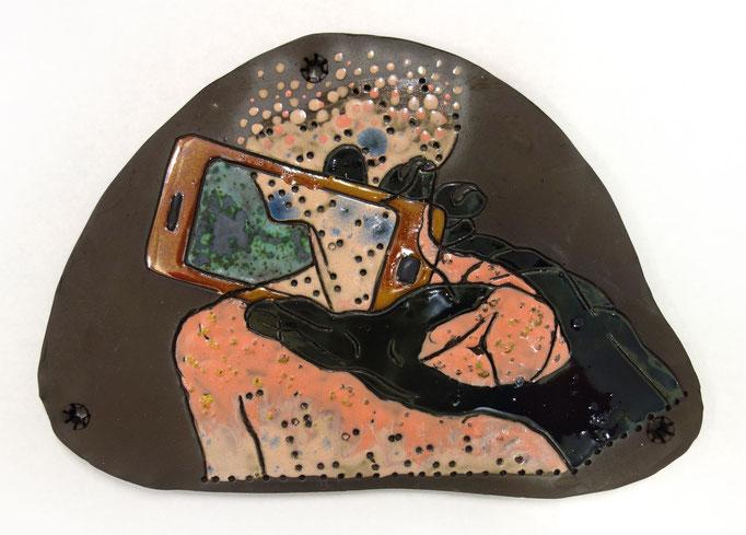 Katrin Leitner, Kunst, Keramik, Tontafeln, Glasurmalerei, Körper, Pixel, Technologie, Platine, Körperteil, Auflösung