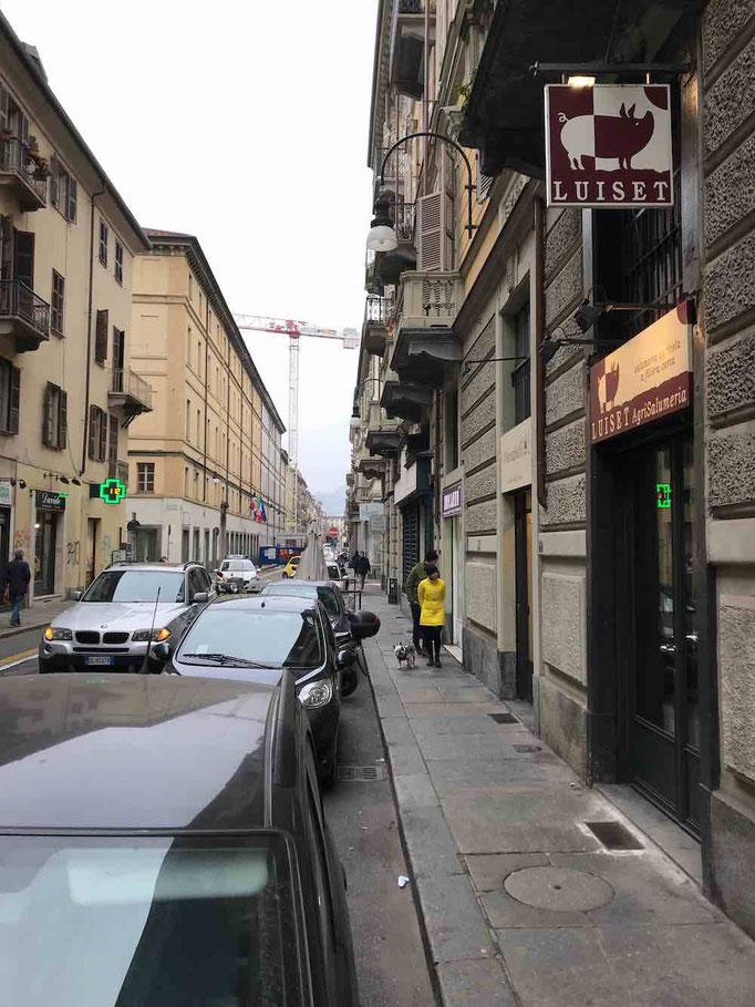 salumeria in via Principe Amedeo a Torino