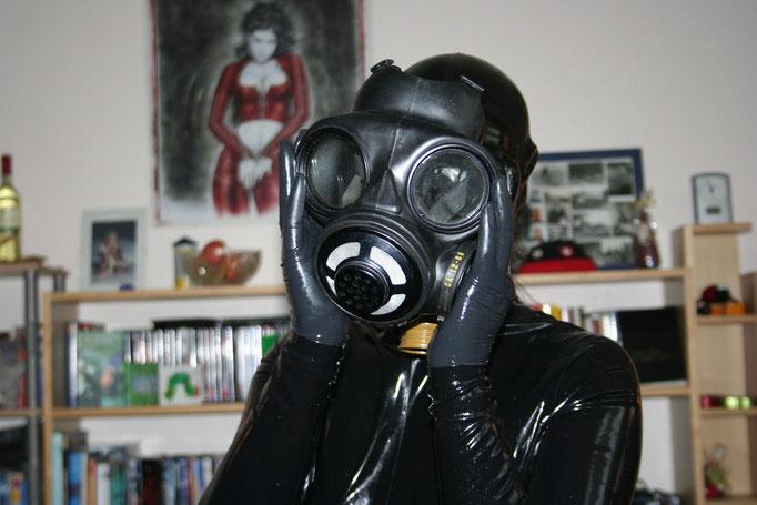 gasmask 2