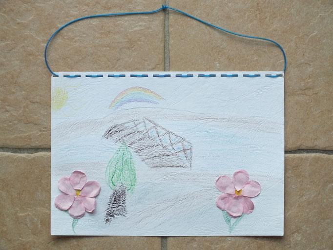 dessin en craie grasse et collage de pétalles de fleures pour la fête des mères