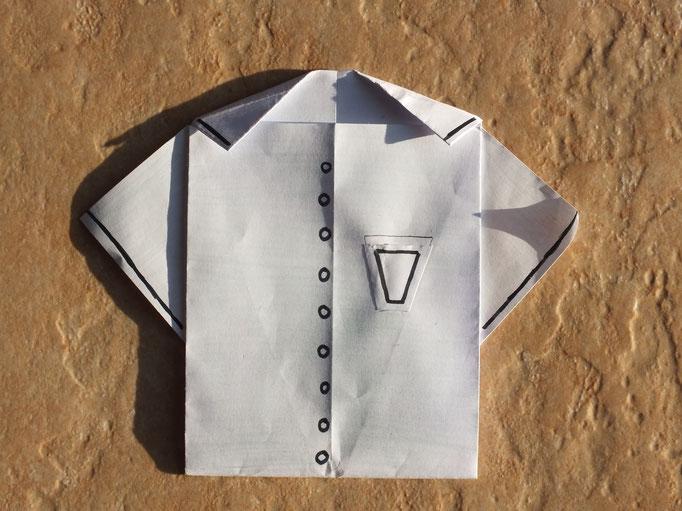 pliage chemise avec à l'intérieur un poème