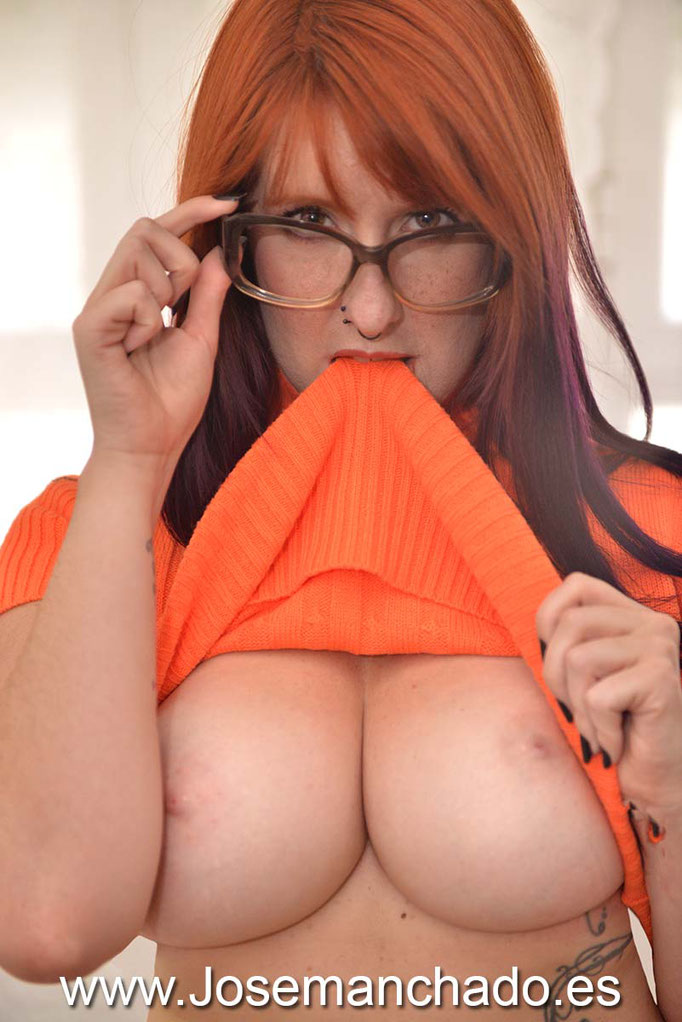 cosplay scoobydoo sexy, cosplay velma, cosplay velma dinkley, big boob cosplay