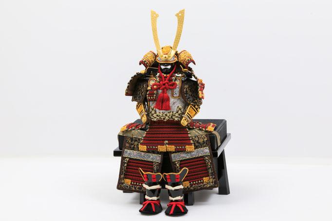 黒小札赤糸大鎧