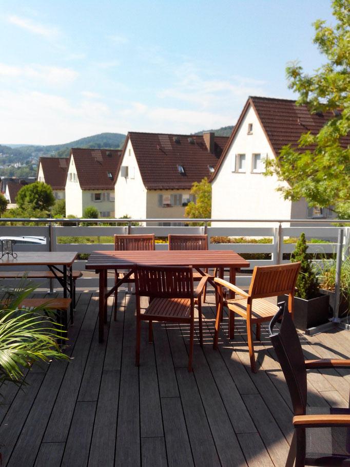 Ferienwohnung Herborn  Terrasse im Sommer