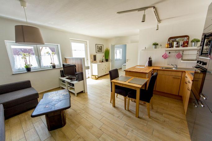Ferienwohnung Herborn Wohnbereich und Küche