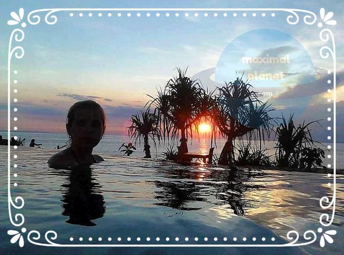 Abends im Infinity Pool Lambongan Dodol