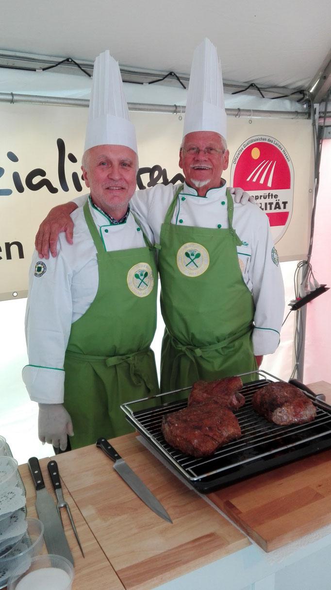 Walter und Udo mit dem leckeren Roastbeef