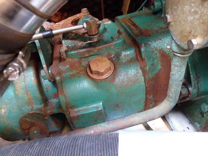 Getriebe mit Öleinfüllstutzen (auch Messstab)