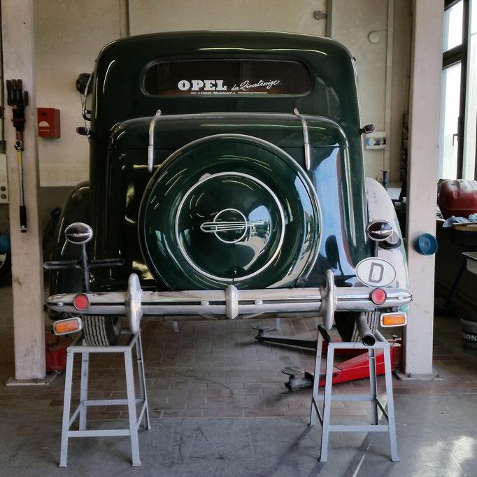 Opel Super 6, Instandsetzung, Lackierung
