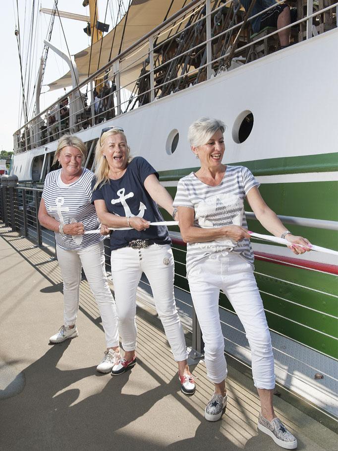 Leinen Los! Schiff Ahoi! Sportliche Mode für jede Größe und Geschmack!
