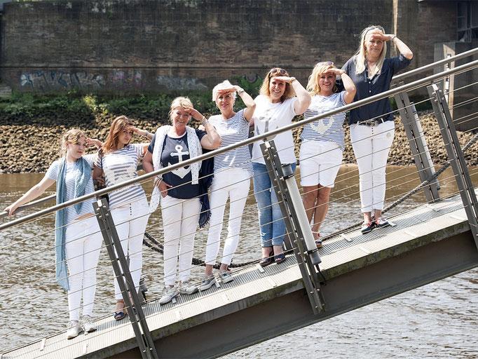 Must Have: weiße Hosen oder Shorts und Oberteile mit maritimen Motiven!