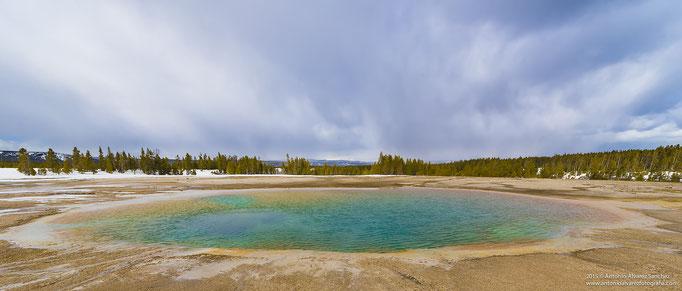 Midway geiser basin