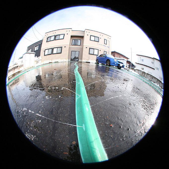 fragments12/水が噴き出す緑のホース