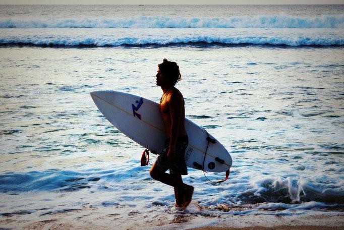 Surfer am Dreamland Beach