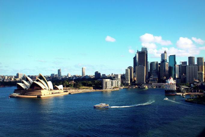 Opernhaus mir Circular Quay in Sydney