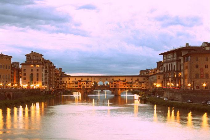 Arno mit der Ponte Vecchio