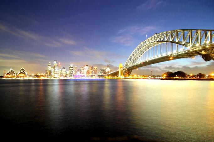Blick auf Opernhaus und Harbour Bridge, Sydney