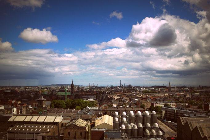 Blick von der Guinness Brauerei über Dublin