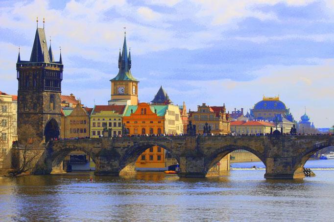 Karlsbrücke mit Altstadt