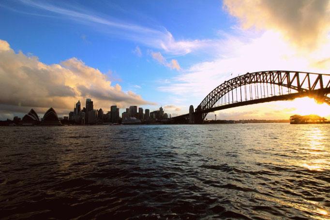 Blick auf die Harbour Bridge in Sydney