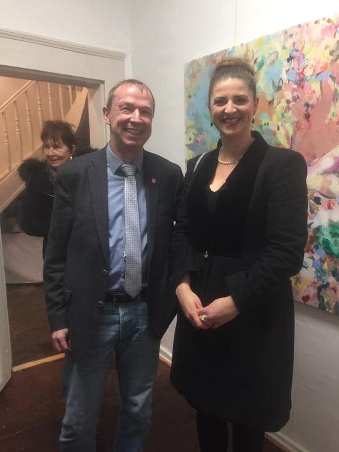 Wilfried Mundt, Bürgermeister von Lauenau mit Zoë MacTaggart