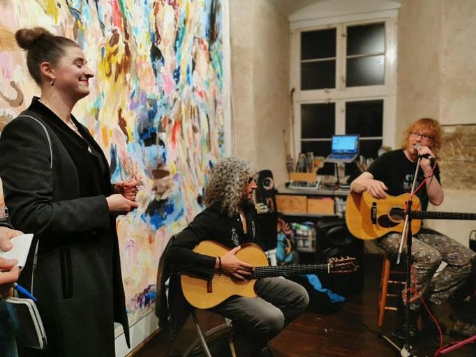 Omid Bahadori als Überraschungsgast musiziert mit Christof Stein-Schneider
