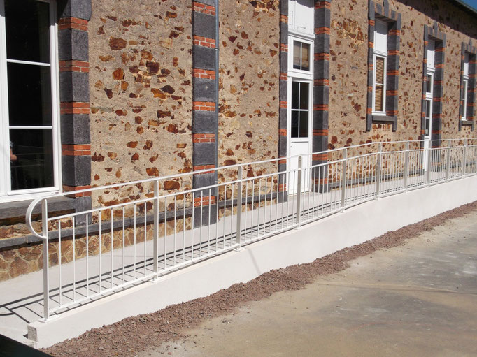 gardes corps sur rampe handicapée