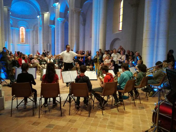 Le jeune orchestre sous la direction de Philippe Debiais