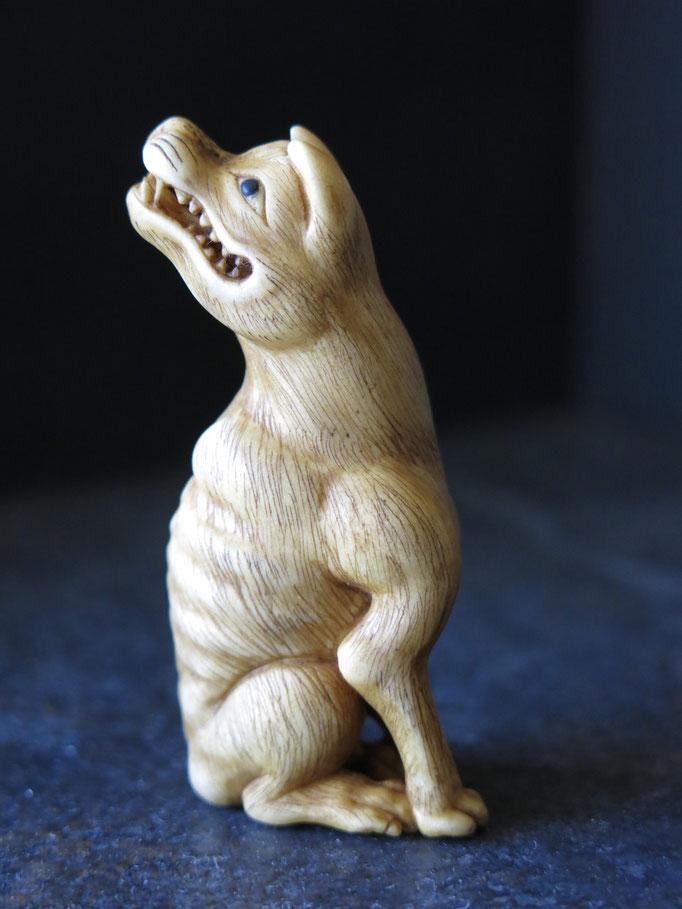 Ohkami / Japanese Wolf Netsuke / Deer Antler Carving /オオカミ根付